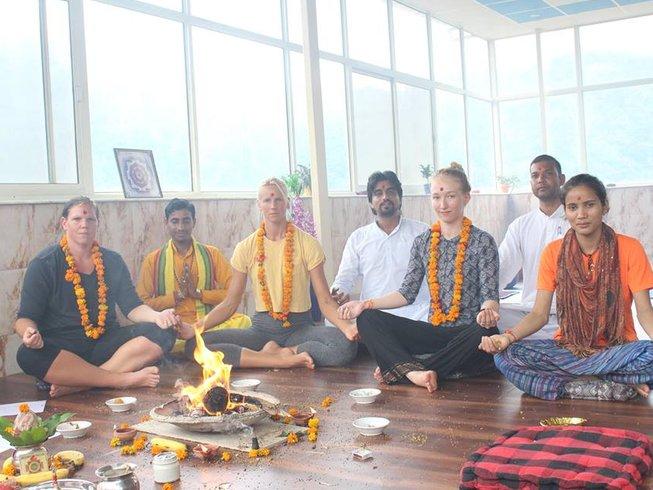 7 Days Detox Yoga Retreat in Rishikesh, India