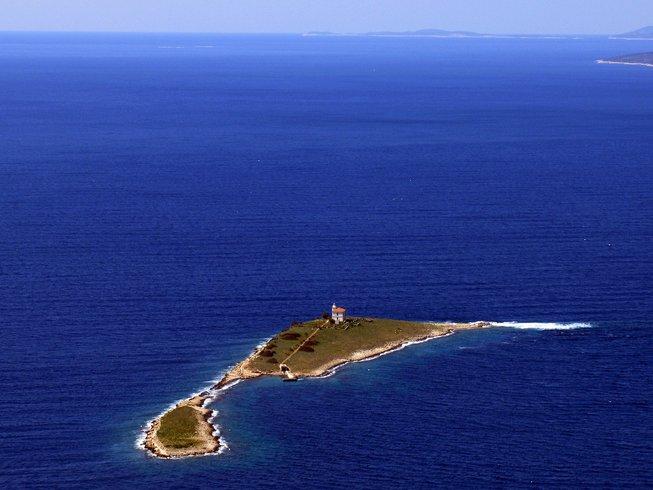 8 días retiro de yoga y meditación en una pequeña isla cerca de Korcula