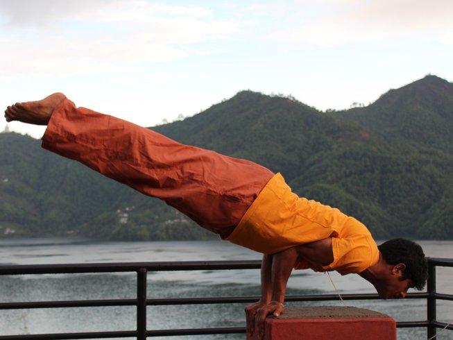 5 días de retiro de yoga en Pokhara, Nepal
