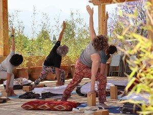 8 en stage de yoga Iyengar avec Karl Strahlke dans la vallée de l'Ourika, Marrakech, Maroc