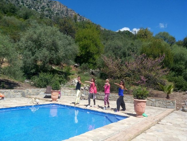3 Days Nature Hiking and Yoga Retreat in Spain