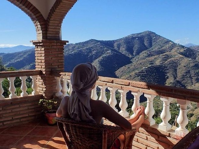 6 Days Walking, Health, Meditation, and Yoga Retreat in Valencia, Spain