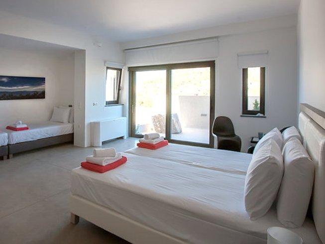 7 Tage Luxuriöser Detox und Aerial Yoga Retreat in Attica, Griechenland
