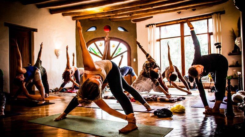 42 Day 300 Hour Tantra Yoga Shamanism Teacher Training In Pichincha Bookyogaretreats Com