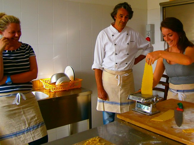 7 Days Relaxing Cycling and Cooking Trip in Umbria, Italy