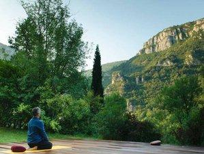 3 jours en retraite de yoga Kum Nye dans un château au cœur du parc naturel des Cévennes, France