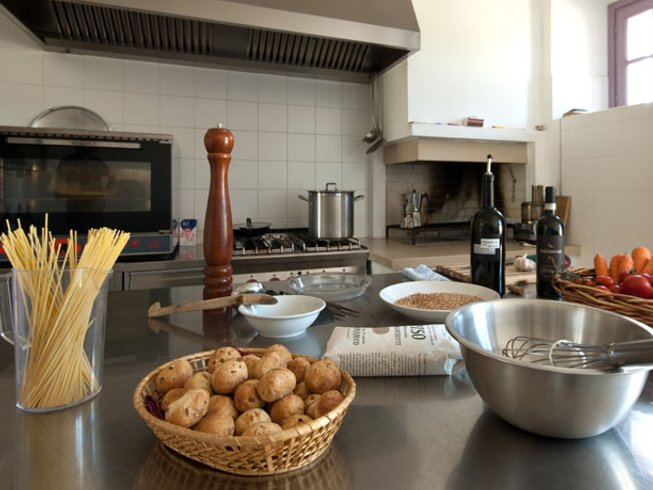 3 Days Cooking and Wine Holidays in Umbria, Italy