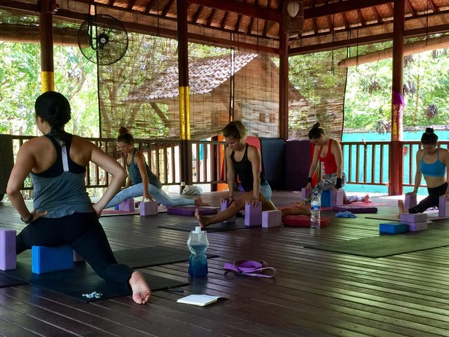 16 Days 100-Hour Taking the Seat of the Teacher Yoga Teacher Training in Nusa Lembongan, Indonesia
