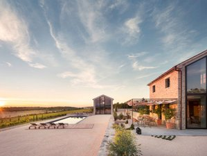 8 Day Yoga Holiday in a Luxury Estate Surrounded By Vineyards in Plastovo