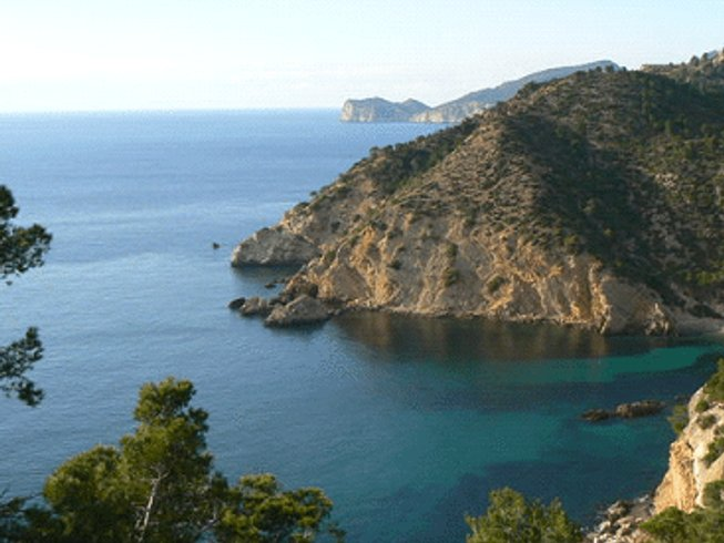 8 Days Hiking and Yoga Retreat Spain