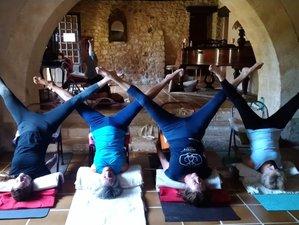 7 jours en stage de yoga de l'alignement à Saint-Laurent-des-Bâtons, Dordogne