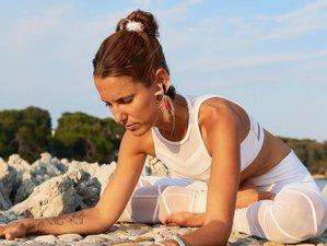 8 jours en stage de yoga vinyasa, yin et cuisine vivante dans une villa en bord de mer à Ibiza