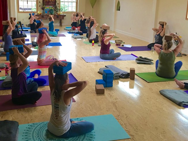 22 Days 200-Hour Yoga Teacher Training in USA
