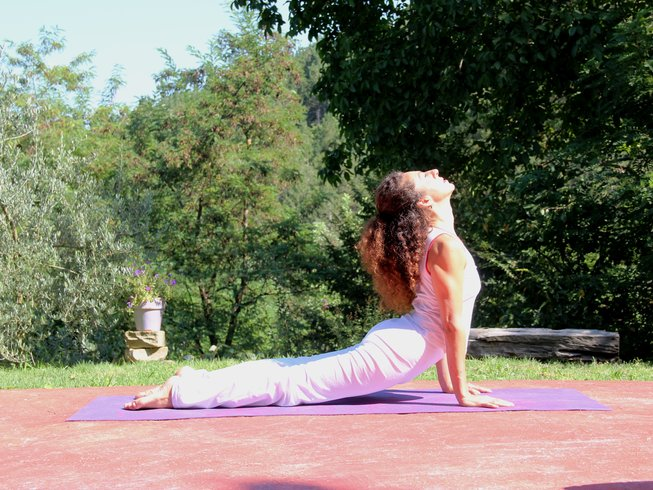 8 Days Relaxing Hatha Yoga Retreat in Italy