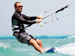 5 Day Basic Kitesurf Course Camp with Private Lessons in Marsala, Sicily