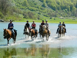 8 Days Colle dell'Orso Adventurous Horse Riding Holiday in Molise, Italy