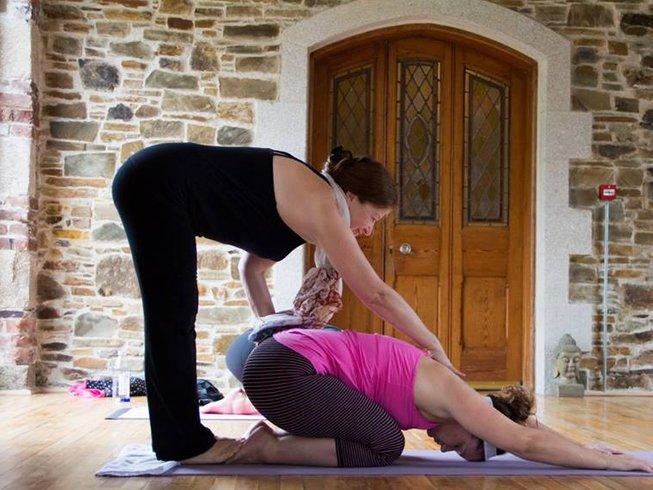Top 10 Yoga Teacher Training In Canada
