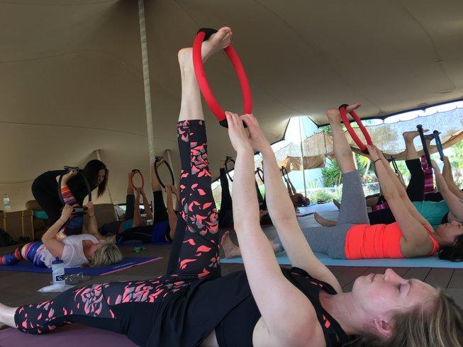 8-Daagse Pilates en Yoga Retreat in Santorini, Griekenland
