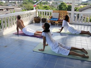 10 Days Stimulating Yoga & Meditation in Hua Hin, Thailand