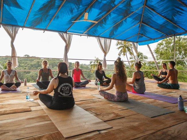 28 jours-200h de formation de professeur de yoga à Goa, Inde