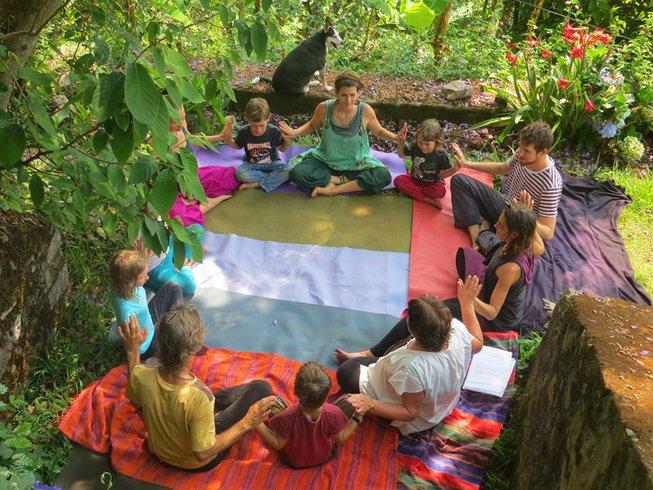 8 jours-95h de formation de professeur de yoga pour enfants en Inde