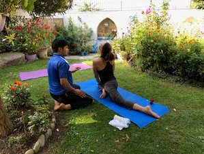 8 Days Personalized Yoga Holiday in the Himalayas of Kashmir, India