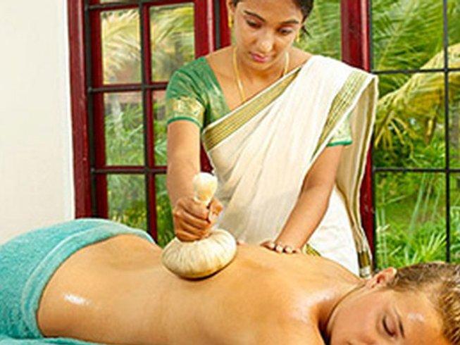 7 Tage 3 Stunden Täglich Yoga und Ayurveda Urlaub in Indien