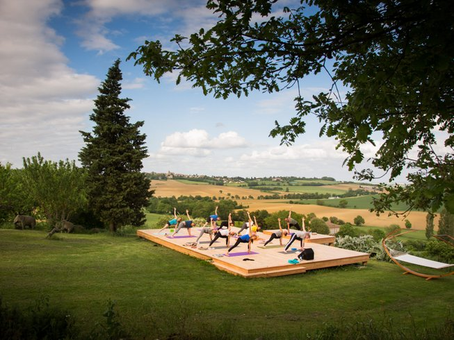 7 Days 5 Senses Cleansing Detox, Meditation and Yoga Retreat in Occitanie, France