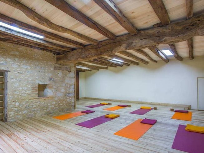 8 Days Relaxing Meditation and Yoga Retreat Dordogne, France