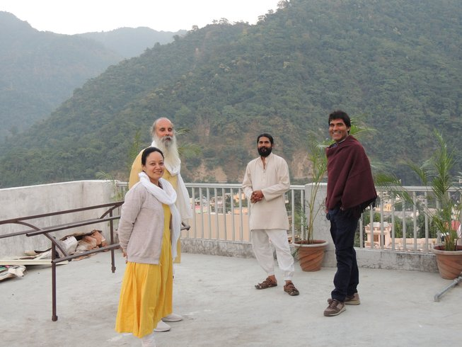 29 Tage 300-Stunden Yogalehrer Ausbildung & Emotionale Blockade Kurs in Rishikesh, Indien