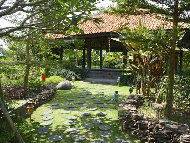 6 Days Surf and Yoga Retreat in Bali, Indonesia