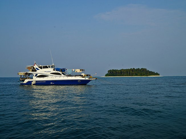 12 Days Surf Charter in Mentawai, Indonesia