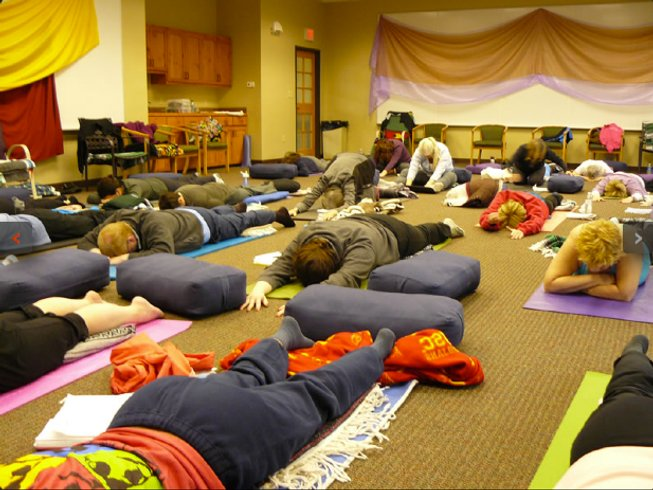 4 Days Transformative Yoga Retreat in USA