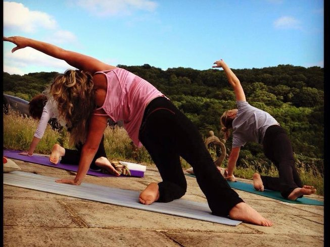 3 Days Luxury Weekend Meditation and Yoga Retreat in UK