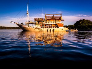 7 Days Explore the Southern Gili Yacht Cruise and Yoga Retreat in Gili, Indonesia
