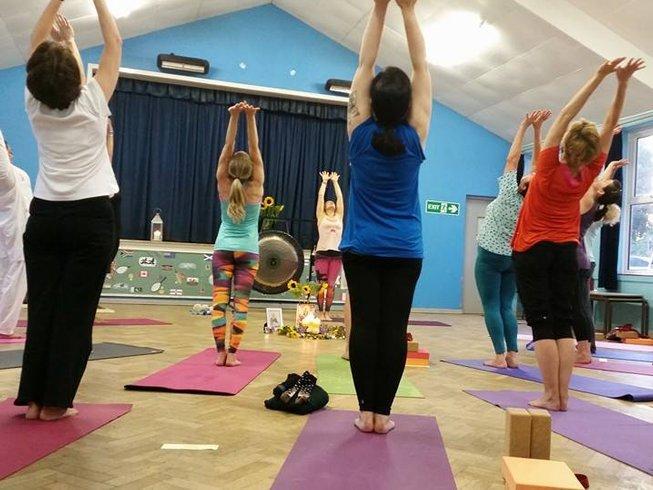 3 jours en stage de yoga de la nouvelle lune pour femmes dans le Somerset, Grande-Bretagne