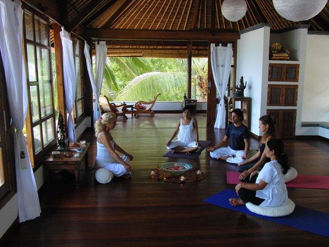9 jours en stage de yoga divin à Noël dans le nord de Bali, Indonésie