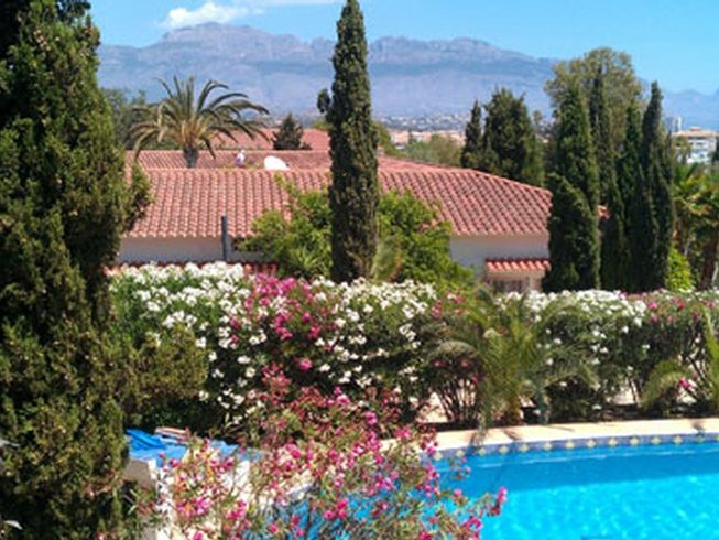6 Days Relax and Rejuvenate Yoga Retreat in Alicante, Spain