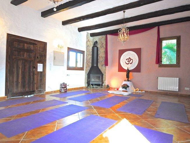 8 Days Dukkha and Sukha Yoga Retreat in Spain