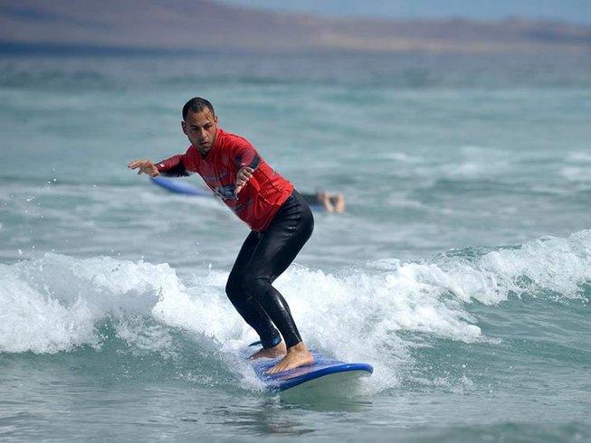 8 Days Intermediate Surf Camp in Caleta de Famara, Teguise, Spain