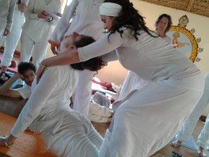 15 Tage 80-Stunden Zertifizierte Anatomie und Asana Yogalehrer Ausbildung im Indischen Himalaya