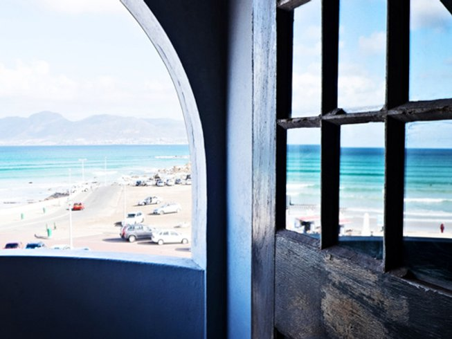 2 Days Budget Surf and Yoga Retreat in Muizenberg, South Africa