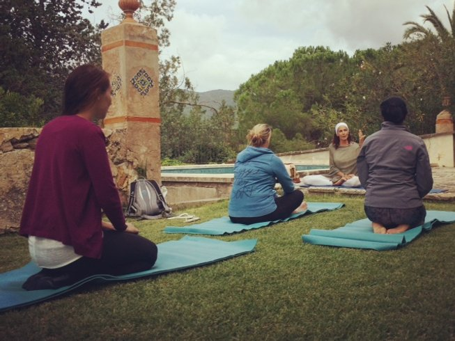 4 Days Wine Tasting Holiday and Yoga Retreat in Spain