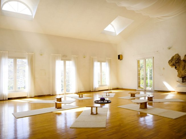 8-Daagse Massage Workshop en Yoga Retraite in Spanje