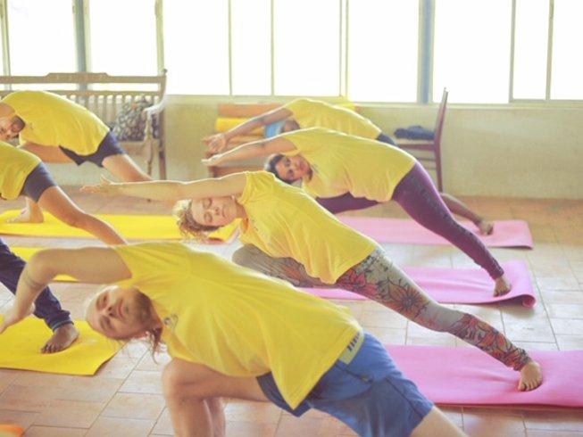 3 Days Rejuvenating Yoga, Meditation, Ayurveda Treatment, and Relaxing  Retreat in Kerala, India