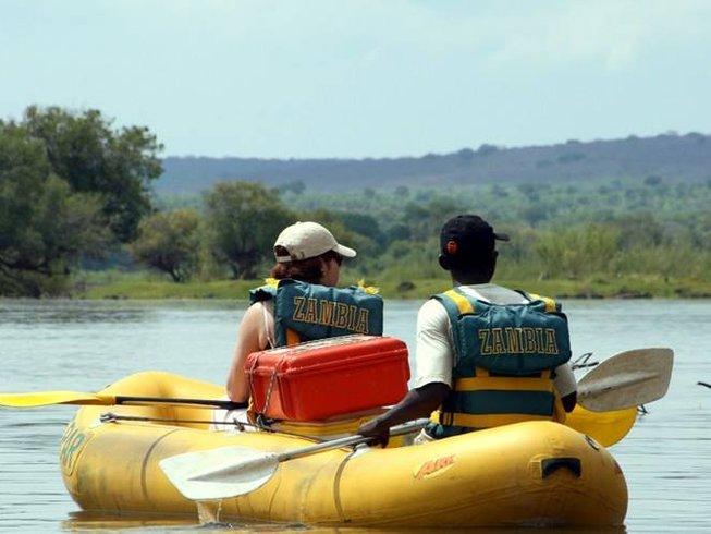 5 Days Budget Safari in Zimbabwe on a Canoe
