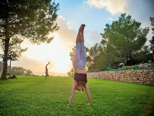 29 Days Vinyasa, Yin, and Vipassana Training in Spain