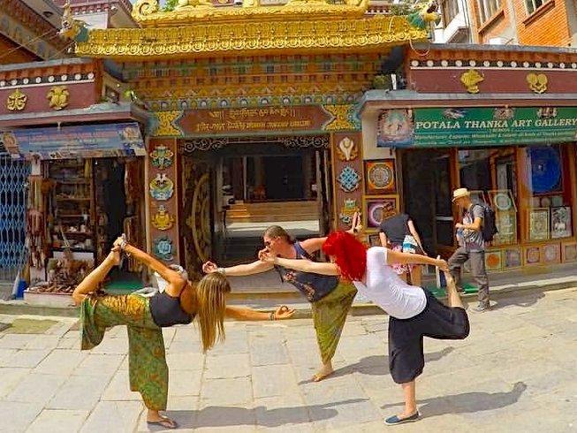 28 días profesorado de yoga de 200 horas en Bhaktapur, Nepal