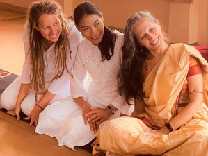 10 Tage Erschwinglicher Yoga Retreat in Rishikesh