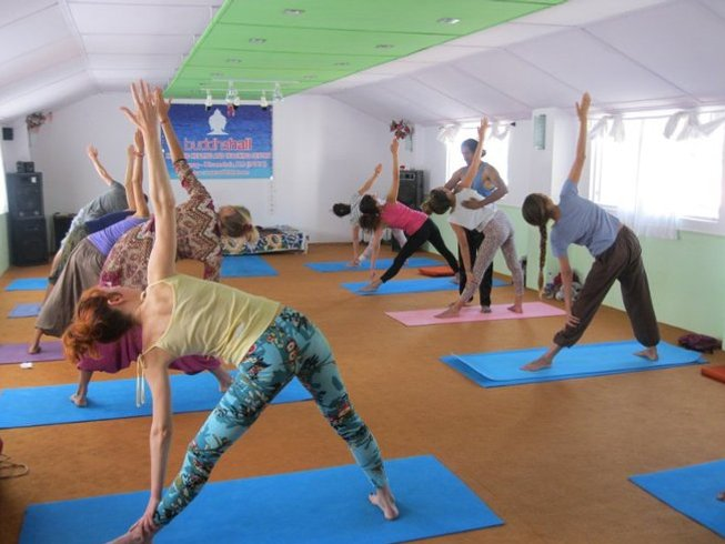 32-Daagse 300-urige Yoga Docententraining in Rishikesh